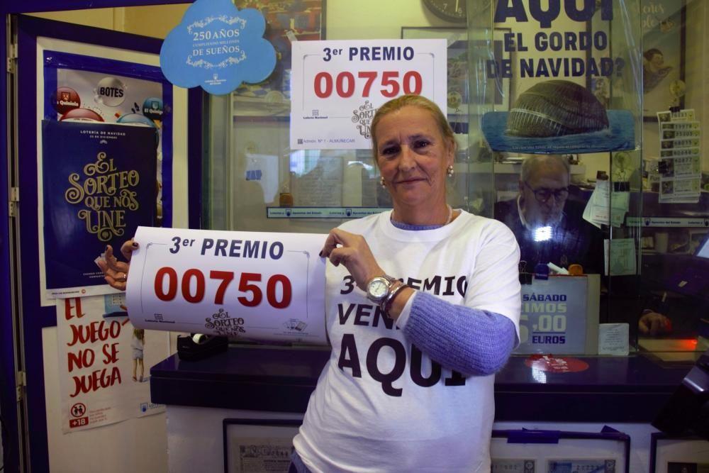 La administración de loterías número 1 de Almuñécar (Granada) ha devuelto 30 de las 40 series del 750, agraciado con el tercer premio del Sorteo Extraordinario de la Lotería de Navidad.