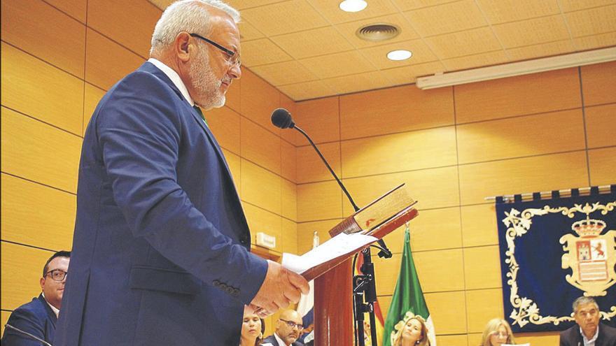 Marcelino Cerdeña presenta su renuncia y abre la puerta a un cambio de gobierno