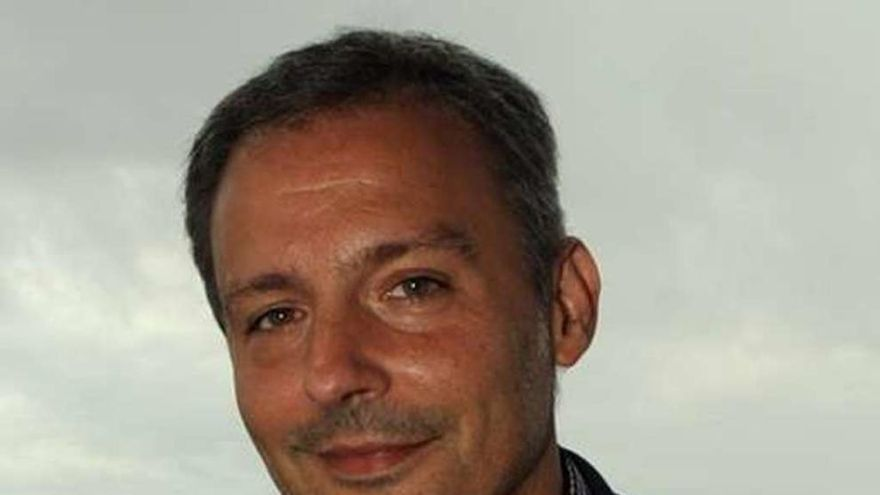 """Xoan Bascuas: """"Temos unha posición central; podemos coser un eventual goberno de cambio"""""""
