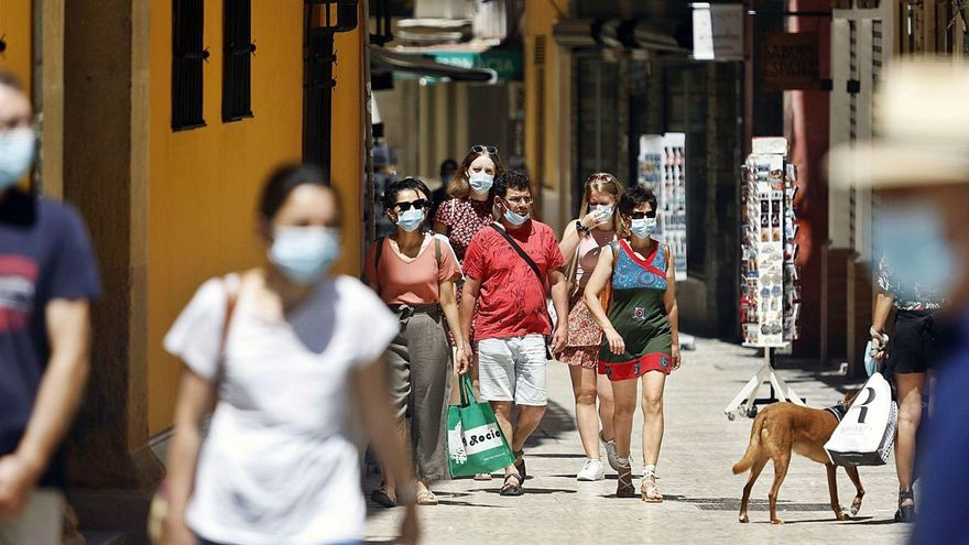 Málaga, al borde del toque de queda con una incidencia de más de 900 casos