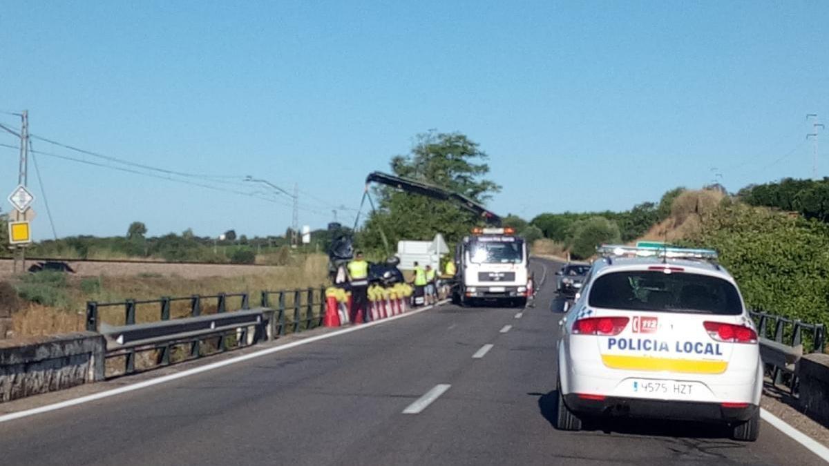 Sale de la UCI el joven del accidente de la A-431 en Palma del Río