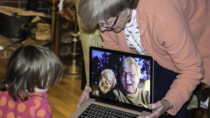 ¡Cuidado con los abuelos! La soledad de estos días aumenta su melancolía