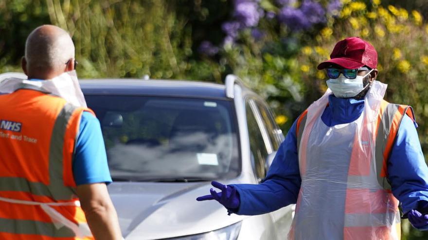 Reino Unido sufre un nuevo repunte al sumar otros 17.540 casos de coronavirus