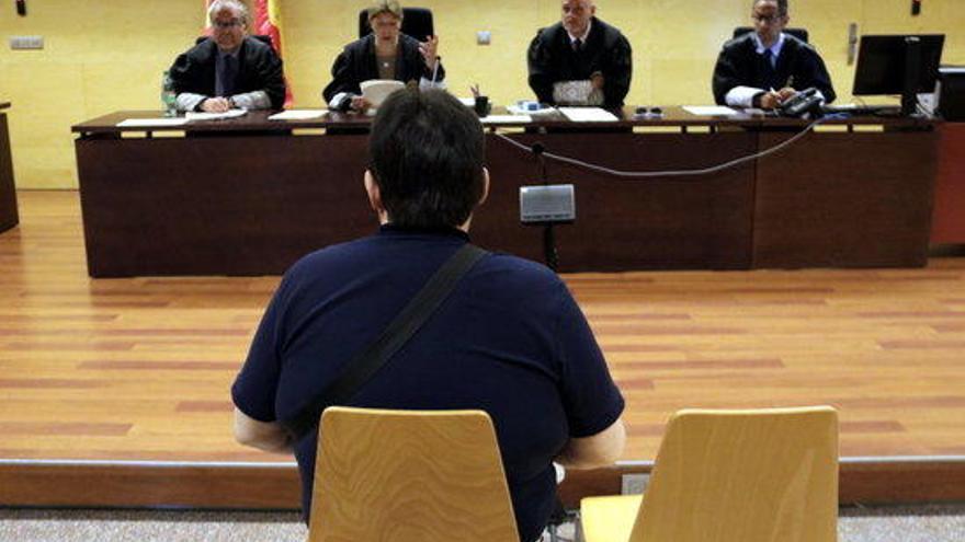 Condemnen un veí de Girona a 5 anys i 1 dia de presó per difondre pornografia infantil
