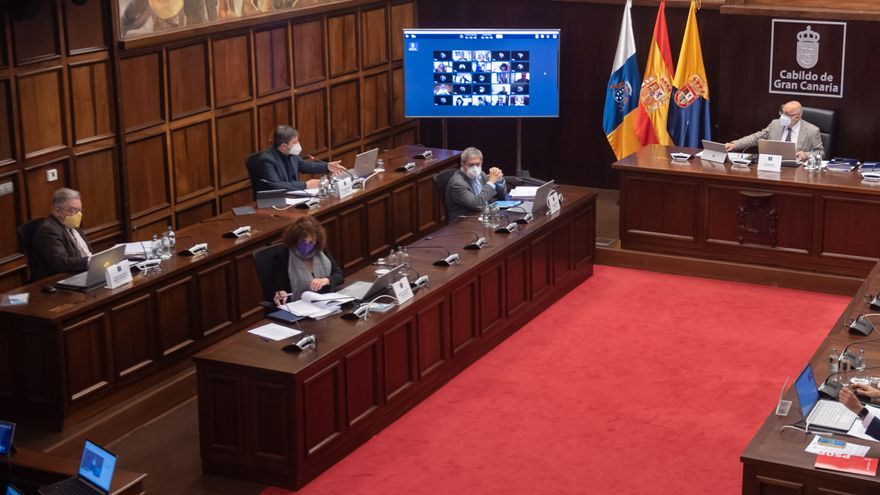 El Cabildo aprueba 7 millones para ayudar a restaurantes, gimnasios y puestos de venta ambulante