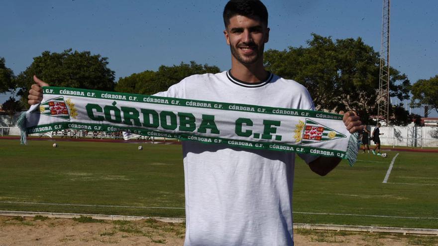 El defensa Ricardo Visus cierra la plantilla del Córdoba CF
