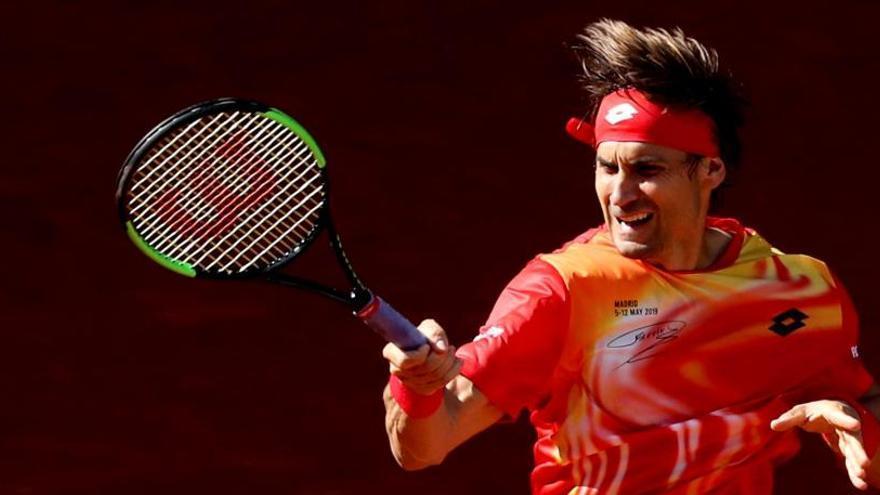Ferrer vence a Bautista en Madrid y alarga su despedida