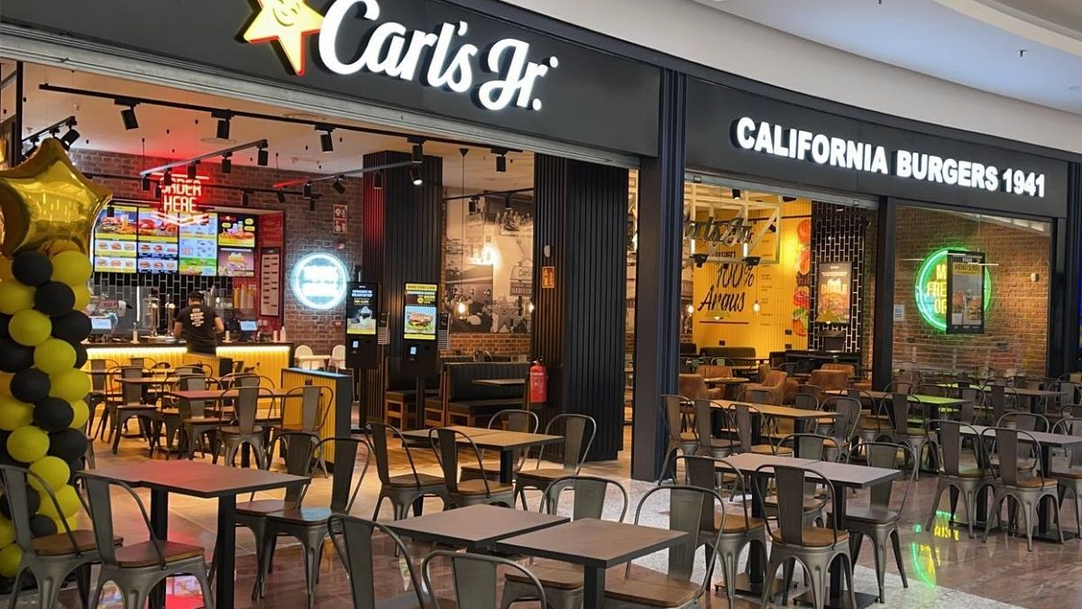 El restaurante de Carls Jr. en Vialia.