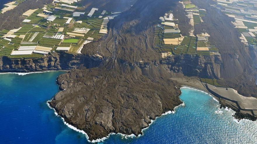 Las espectaculares imágenes aéreas de la fajana y las coladas del volcán de La Palma
