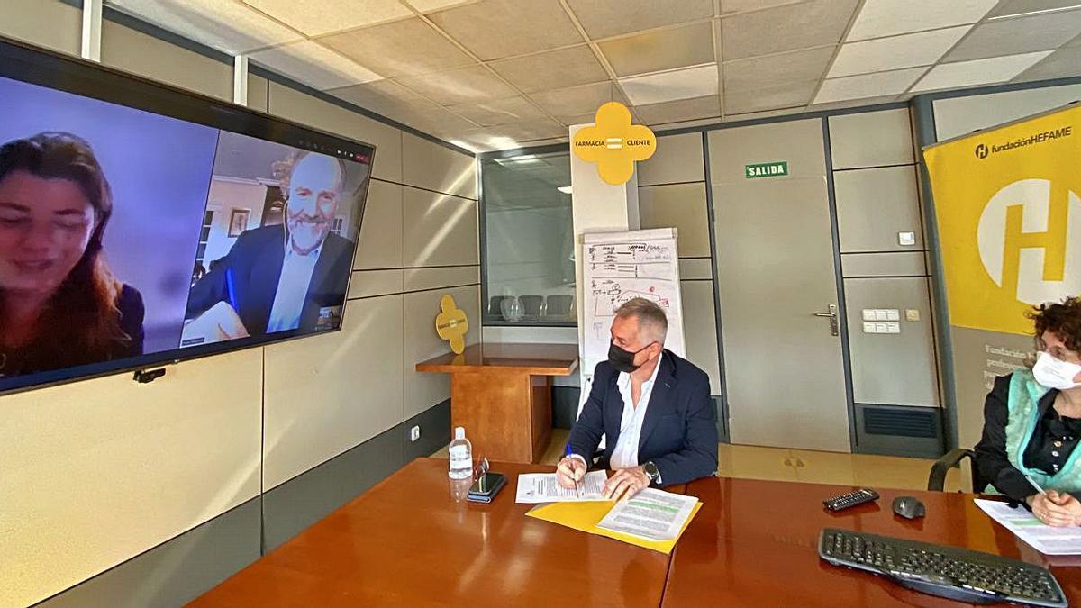 Fundación Hefame colabora  con Fundación Dádoris. l.o.