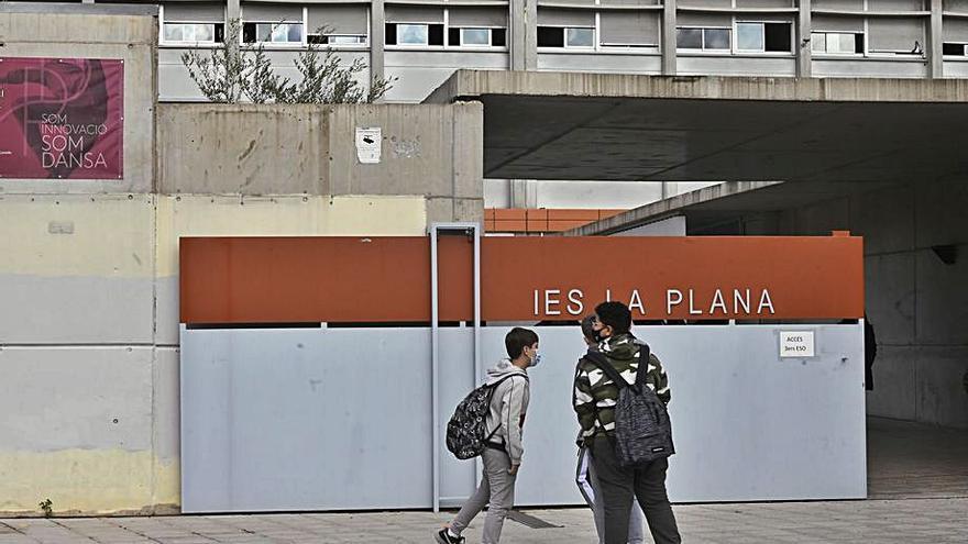 Castellón esquiva la amenaza del absentismo escolar en el curso del covid