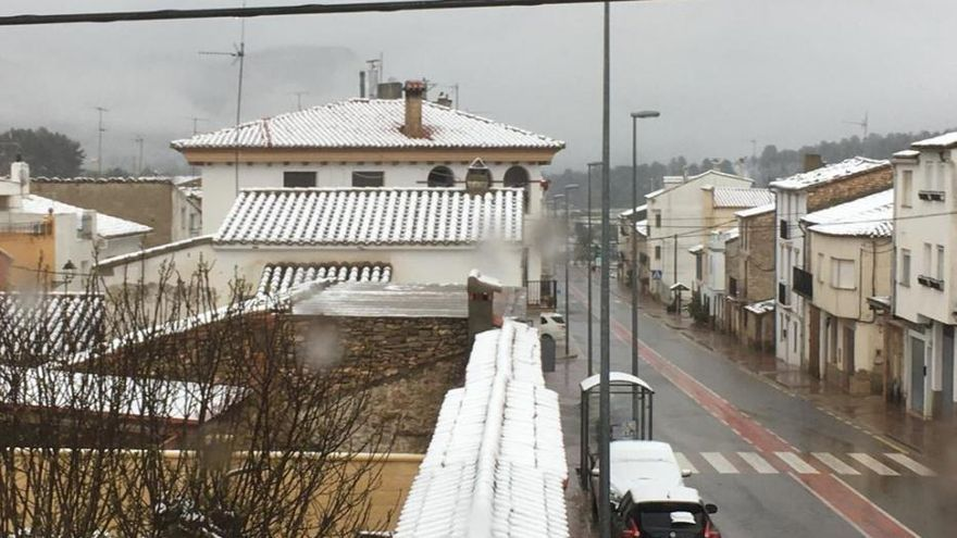 La nieve llega a Aras de los Olmos