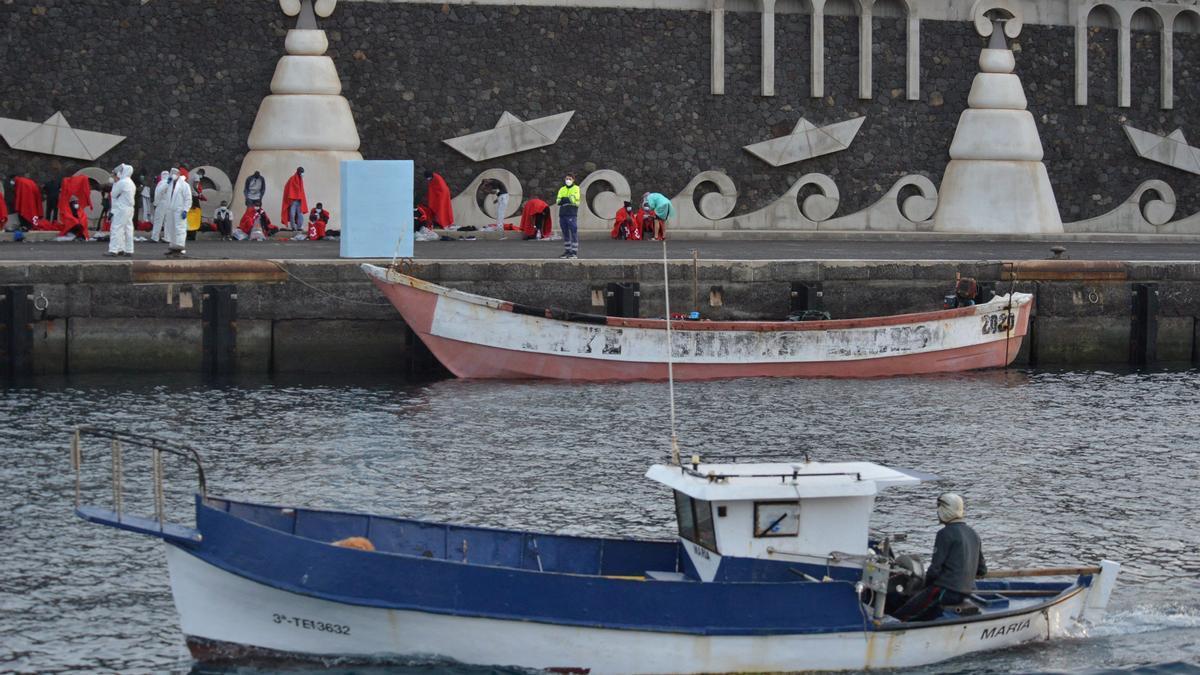 Llega una patera con 48 subsaharianos al sur de la isla de El Hierro