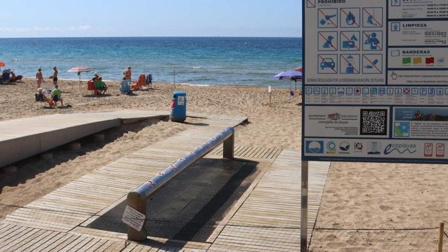 Benidorm instalará sensores en los lavapies de las playas para evitar el contacto