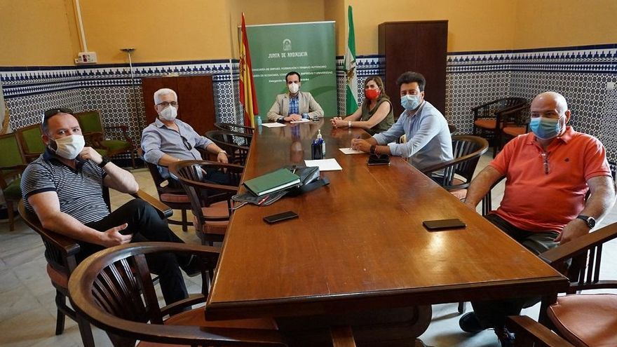 La Junta muestra su preocupación por los despidos en Oleícola El Tejar