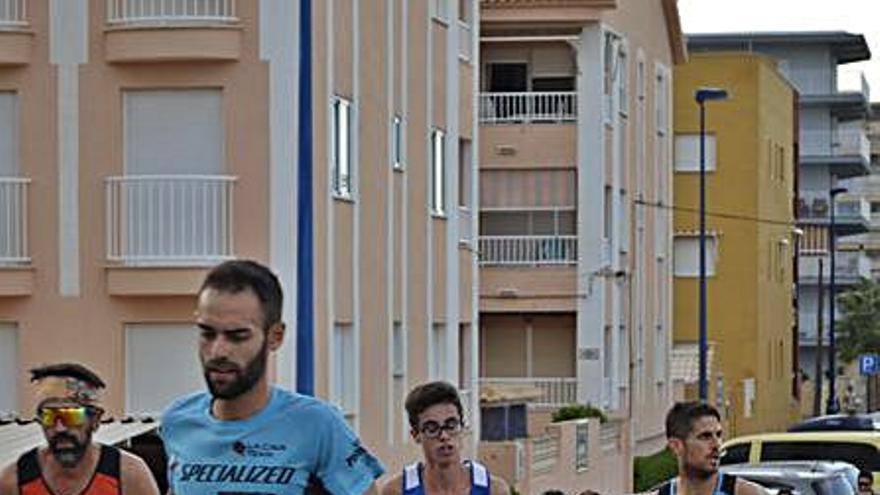 La XXX Volta a Peu Miramar reúne a más de 400 corredores y corredoras