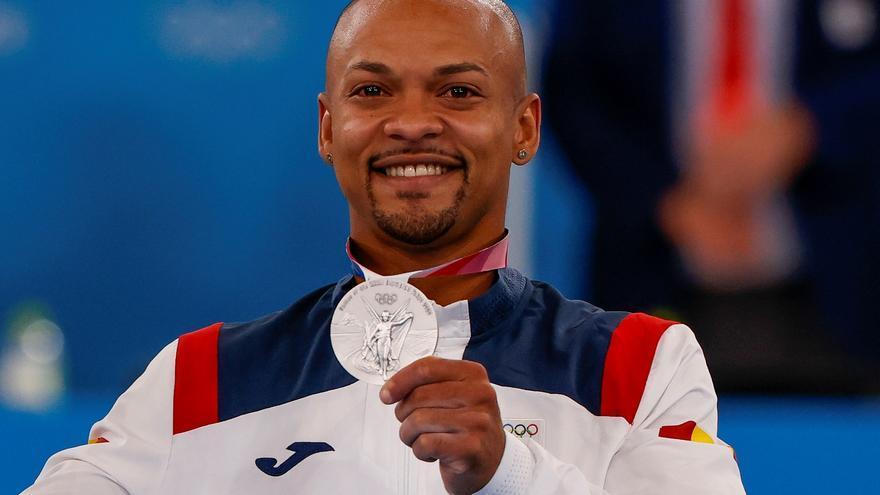 El gimnasta Ray Zapata consigue la plata en suelo para España