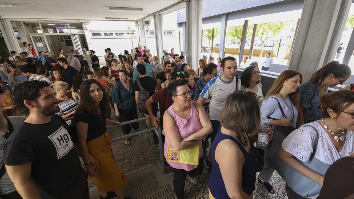 Foto de archivo de las oposiciones docentes de 2019 en el IES Sos Baynat de Castelló.
