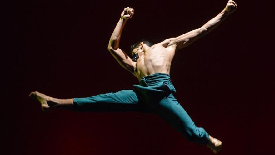 La danza urbana toma el Pérez Galdós