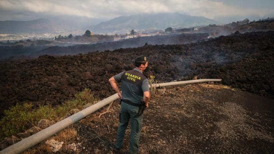 La lava avanza por La Palma