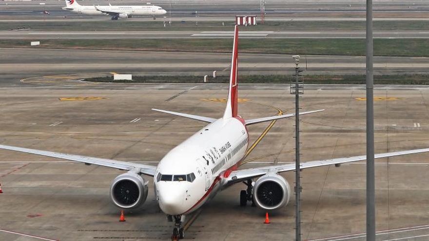 Vista de un avión de pasajeros Boeing 737 Max 8.