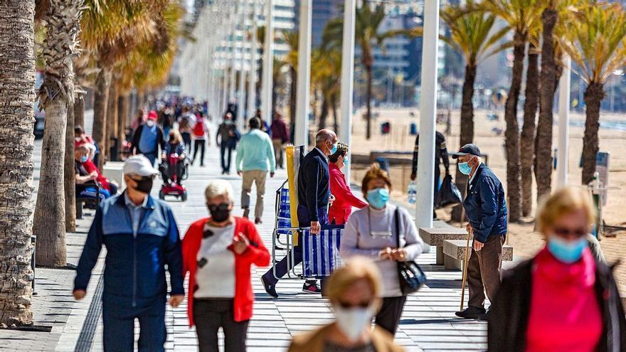 El turismo pide corredores seguros ante la baja tasa de covid de Alicante