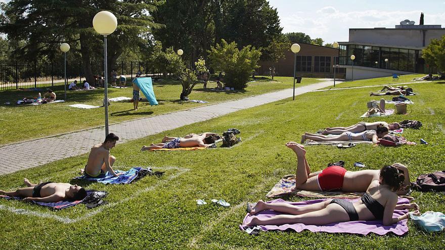 Distinto verano, mismas ganas de piscina en Zamora