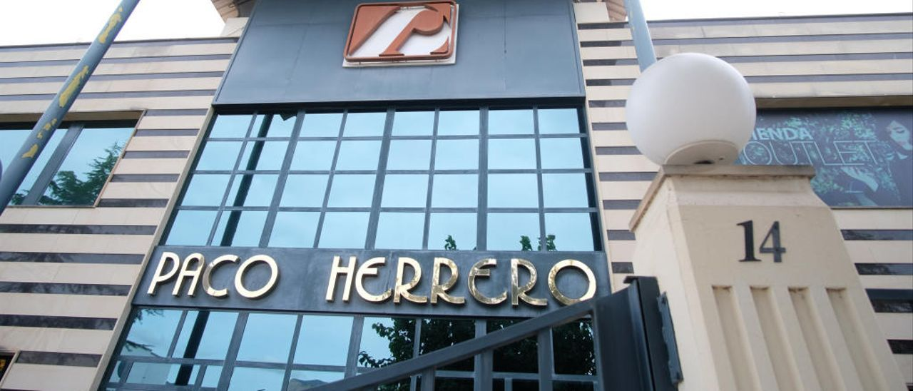 La sede de Paco Herrero, en la avenida del Mediterráneo de Elda.