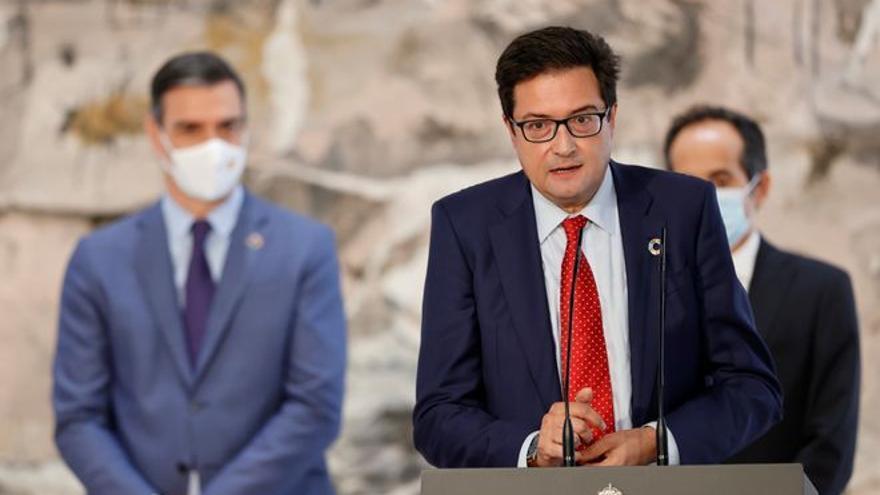 Sánchez aligera la Moncloa y aumenta la presencia de mujeres