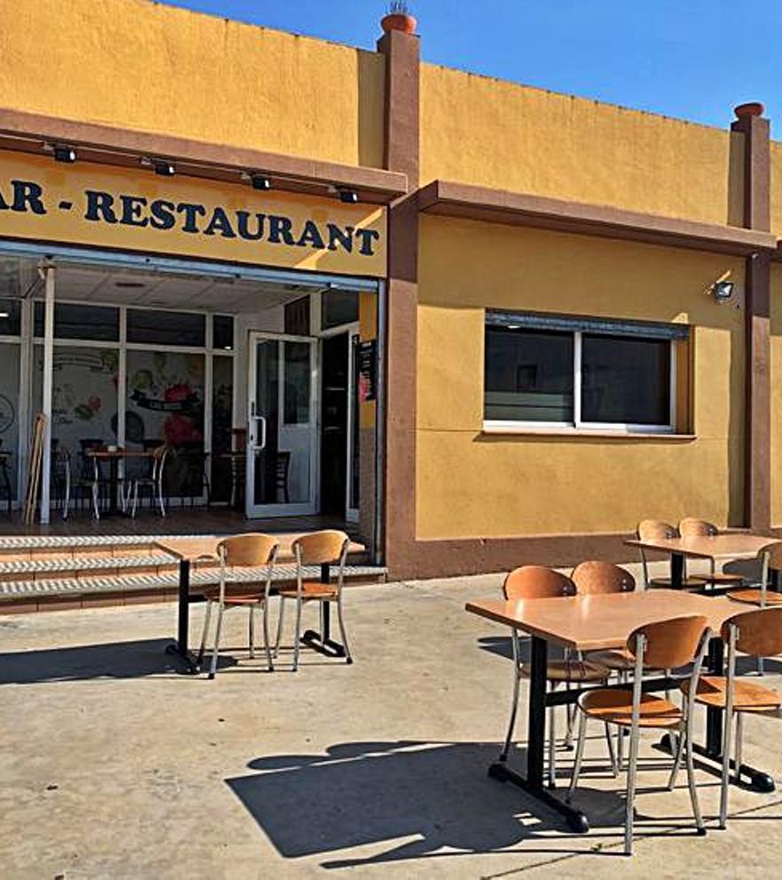 Tapes, servei de cafeteria i cuina variada a Casa Darío de Vilamalla