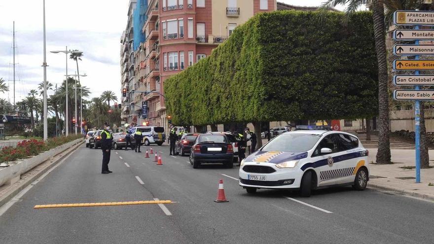 La Policía Local refuerza los controles de tráfico de alcohol y drogas los fines de semana
