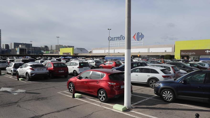 Colas en Ikea Valencia y los comercios de Alfafar pese a estar disparados los contagios
