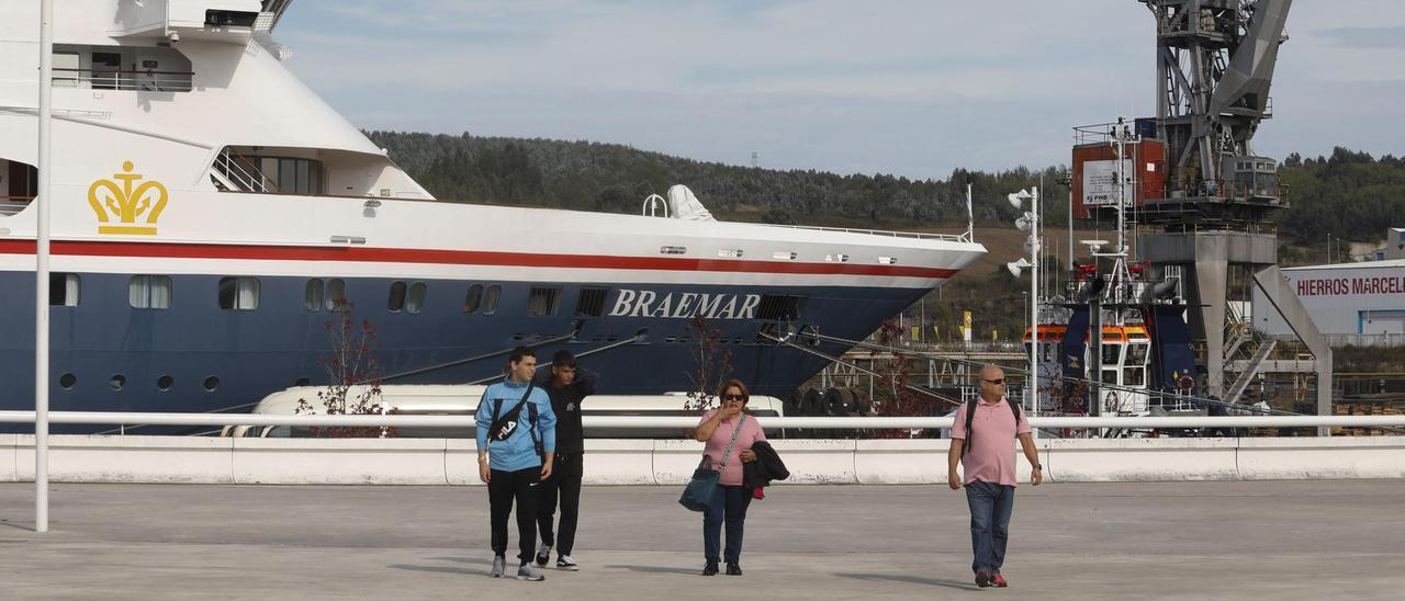 """El """"Braemar"""", amarrado en Avilés, en 2019."""
