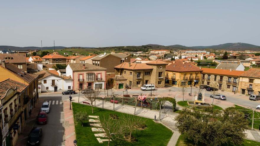 En Tábara, las terrazas de la Plaza Mayor pagarán más que las de otras calles
