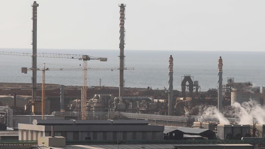 La gran industria lleva a Asturias a liderar el alza de las exportaciones e importaciones en España
