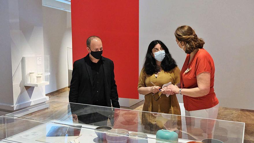 La Nau presenta una exposició que revisa els 40 anys del producte seriat