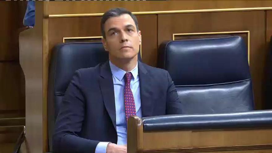 Sánchez y Casado se acusan de fomentar la crispación
