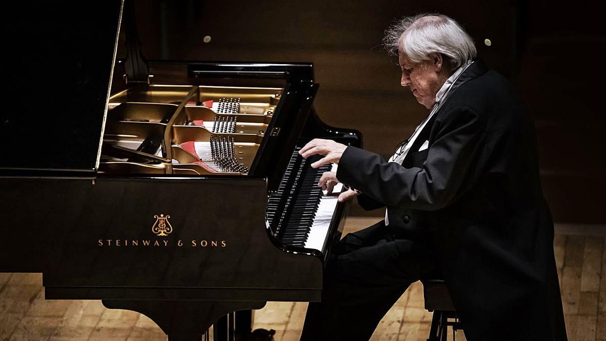 Grigory Sokolov durant un dels seus concerts.  | LEVANTE-EMV