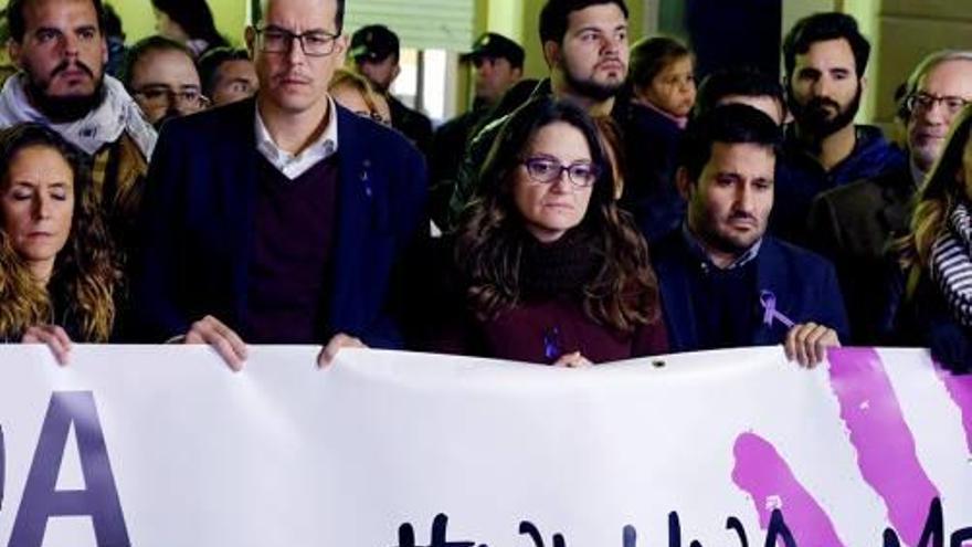 Mor la dona tirotejada per la seva exparella a l'escola del seu fill a Elda