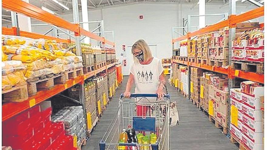 Desembarca en Murcia la cadena rusa de supermercados 'low cost' con precios hasta un 20% más bajos