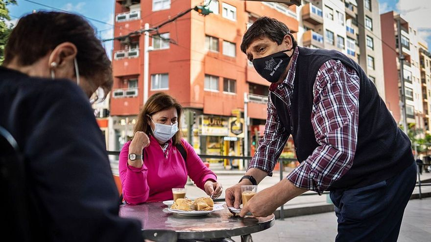 Canarias aprueba las ayudas directas a pymes y autónomos afectados por la crisis del covid