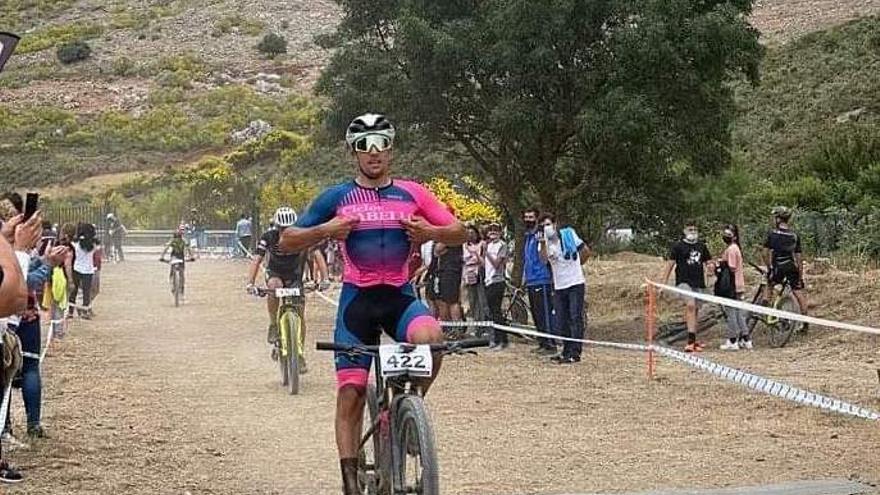 Miguel Muñoz reina en el campeonato andaluz de MTB