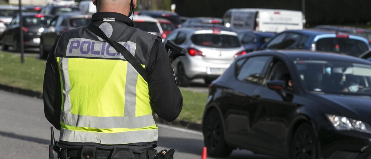 Un control de carreteras en Oviedo.