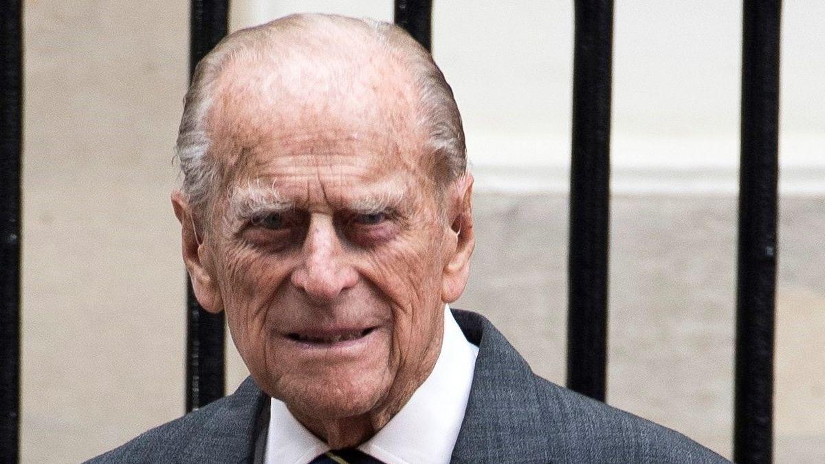 El duque de Edimburgo, ingresado en el hospital