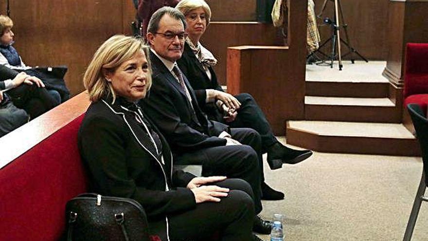 El TSJC denuncia Ortega per trencar la condemna del 9-N exercint un càrrec