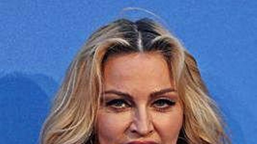 Madonna y Maluma unen sus voces