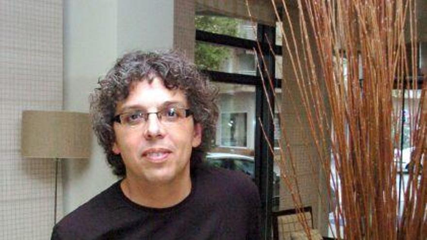 El cantautor Pedro Guerra actúa en Zamora