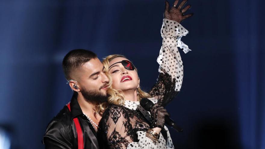 Así fue la actuación de Madonna y Maluma en los Billboard que costó 5 millones