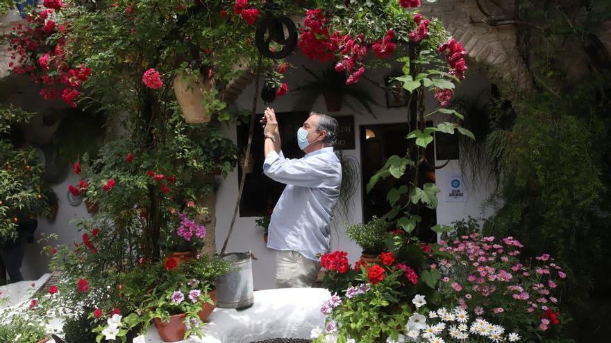 La Policía Local vigilará el Alcázar Viejo para evitar botellones durante los Patios de Otoño