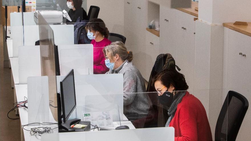 El 30% del personal funcionario seguirá con teletrabajo en la Generalitat